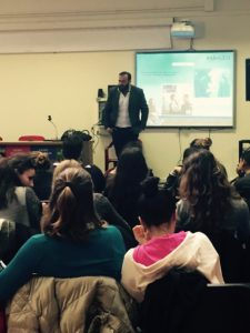 Gli studenti di Civitavecchia con Francesco Pocchi, fondatore della società 404